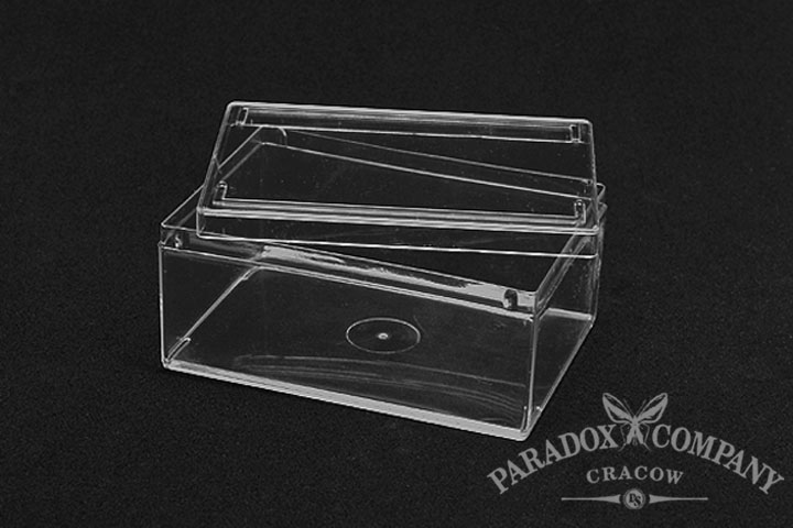 Transport - expositional box made from clear plastic.